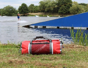 Водонепроницаемая сумка OverBoard OB1154R - Pro-Sports Waterproof Duffel Bag - 60 литров.  Фото 10